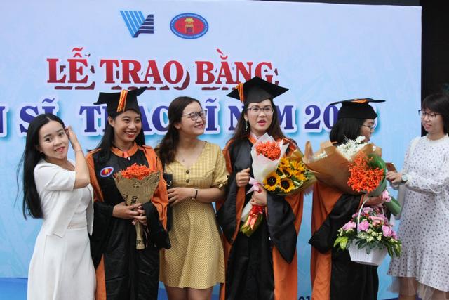 ĐH Quốc gia TP.HCM không tuyển sinh liên thông trung cấp, cao đẳng lên thạc sĩ - Ảnh 1.