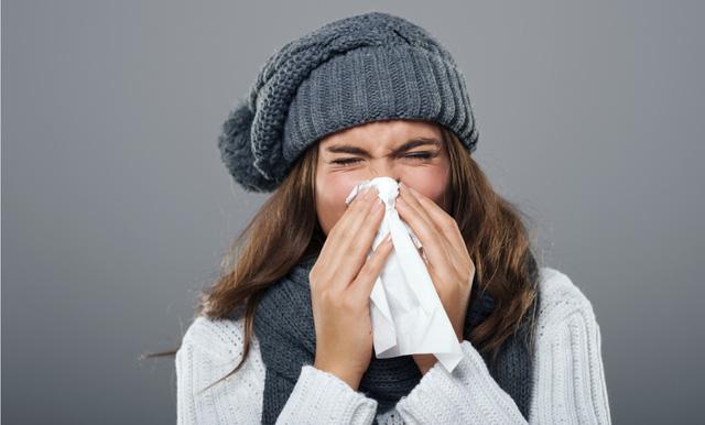 Coi chừng nhầm lẫn cảm cúm với cảm lạnh - Ảnh 1.