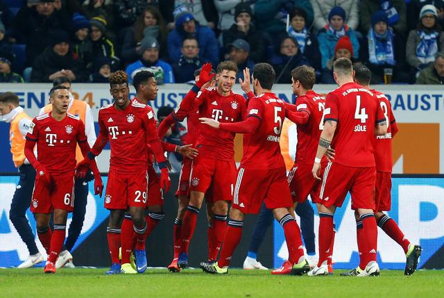 Thắng dễ Hoffenheim, Bayern gây sức ép lên Dortmund - Ảnh 1.