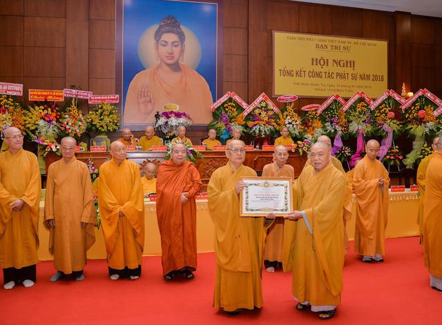 Phật giáo TP.HCM làm từ thiện trên 749 tỉ đồng - Ảnh 1.