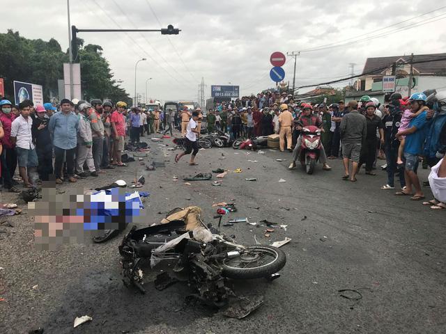 Xe container tông 21 xe máy dừng đèn đỏ, nhiều người chết - Ảnh 5.