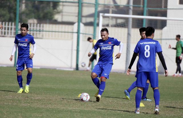 Trọng Hoàng tập luyện trở lại với đội tuyển - Ảnh 1.