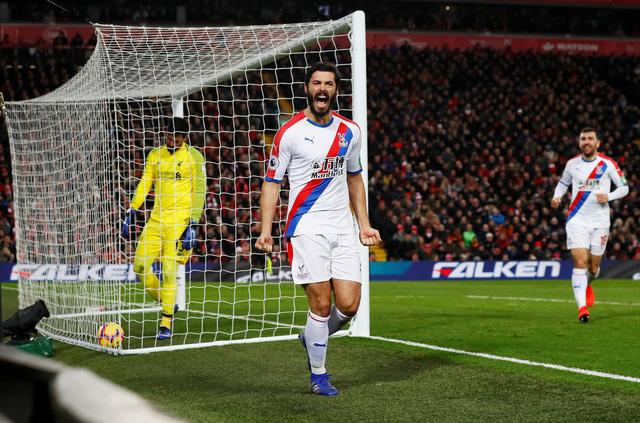 Liverpool và M.U chật vật giành 3 điểm - Ảnh 2.