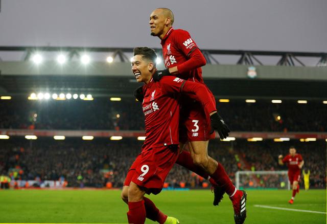 Liverpool và M.U chật vật giành 3 điểm - Ảnh 1.