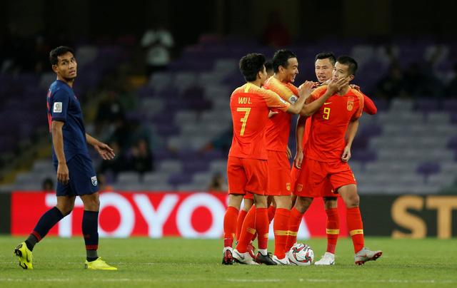 Thái Lan thua Trung Quốc, Việt Nam giương cao ngọn cờ Đông Nam Á - Ảnh 1.