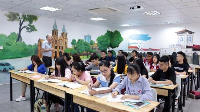 Đại học Quốc tế Hồng Bàng đổi mới phương thức tuyển sinh - Ảnh 1.