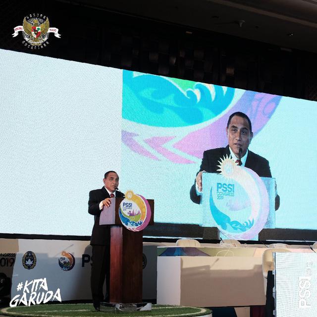 Chủ tịch Liên đoàn Bóng đá Indonesia từ chức - Ảnh 1.