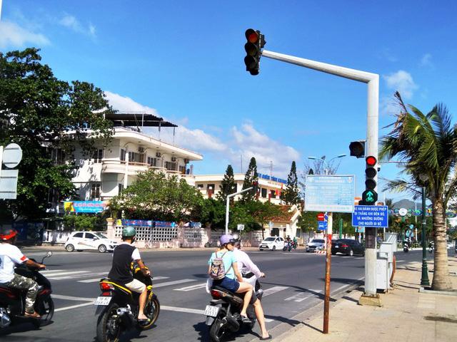 Thay đổi lưu thông để giảm kẹt xe đường đẹp nhất Nha Trang - Ảnh 2.