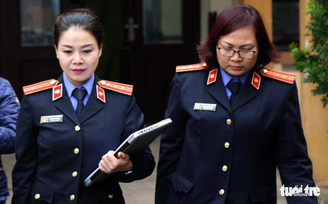 Bác sĩ Hoàng Công Lương bị đề nghị 36-42 tháng tù - Ảnh 2.