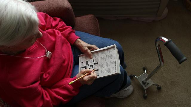 Phòng ngừa bệnh Alzheimer gây mất trí nhớ ở người lớn tuổi - Ảnh 1.