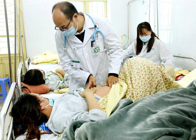 Bộ Y tế khuyến cáo mọi người dân tiêm ngay vắc xin phòng sởi - Ảnh 1.