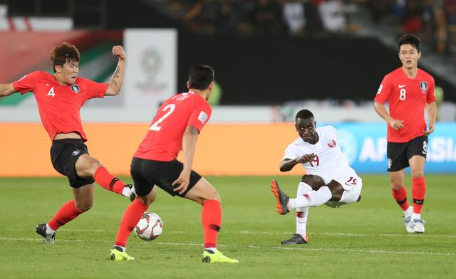 Địa chấn Asian Cup: Hàn Quốc bị loại khỏi bán kết - Ảnh 2.