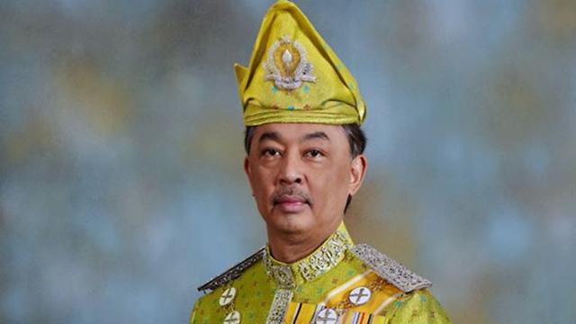 Vua mới của Malaysia đang làm việc trong FIFA - Ảnh 1.