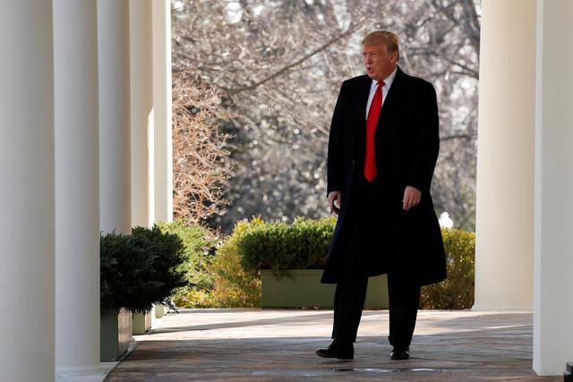 Ông Trump tuyên bố sẽ mở cửa chính phủ mà không có phí xây tường - Ảnh 1.