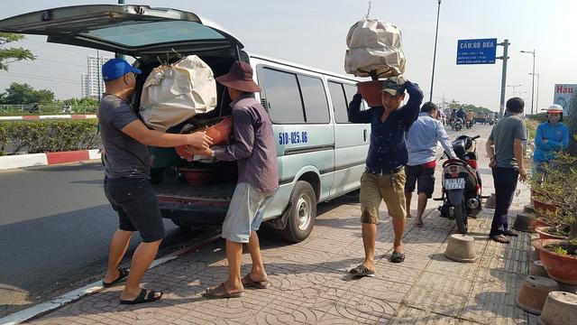Mai tết Sài Gòn hối hả lên máy bay Bắc tiến - Ảnh 4.