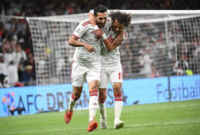 UAE mua hết vé, không cho cổ động viên Qatar xem bán kết Asian Cup - Ảnh 2.