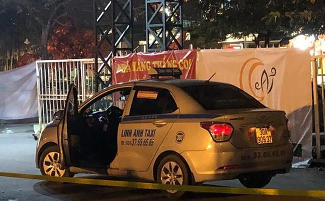 Lái xe taxi chết nghi do bị cứa cổ - Ảnh 1.