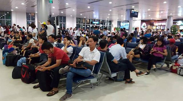 """Lượng khách đi máy bay dịp Tết tăng hơn 10% nhưng không """"sốt"""" vé - Ảnh 1."""