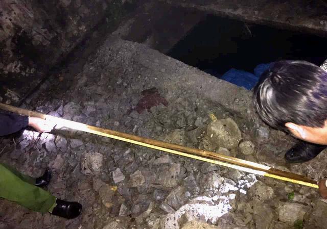 Học sinh lớp 1 tử vong dưới bể phốt bỏ hoang - Ảnh 1.