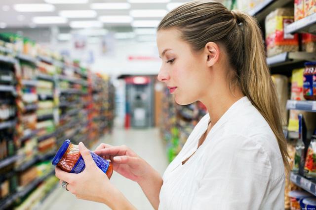 Cách đọc một nhãn ghi thành phần dinh dưỡng trên gói thực phẩm - Ảnh 1.
