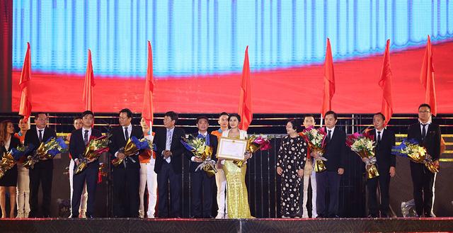 Khép lại 2018 Kim Oanh Real đón nhận nhiều niềm vui lớn - Ảnh 3.