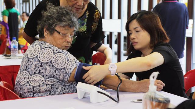Cả trăm triệu dân Đông Nam Á mắc bệnh nhà giàu - Ảnh 1.