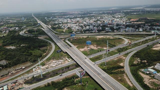 Tổng công ty đầu tư đường cao tốc VN chỉ định công ty xây trạm dừng trái luật - Ảnh 1.