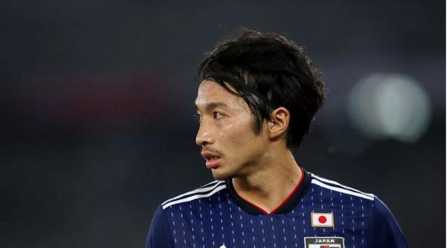 Tiền vệ tuyển Nhật Shibasaki: Trách nhiệm và áp lực của chúng tôi rất nặng nề - Ảnh 1.