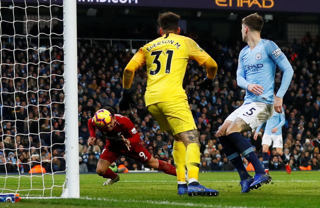 Aguero và Sane 'nổ súng', M.C chấm dứt mạch bất bại của Liverpool - Ảnh 2.