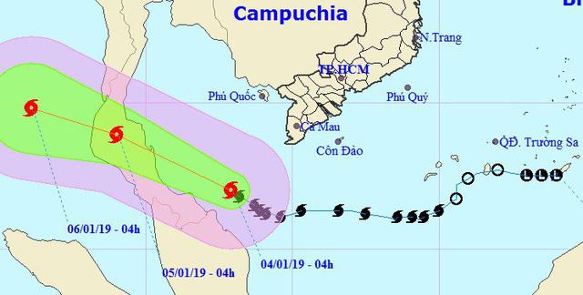 Qua mũi Cà Mau, bão số 1 mạnh lên, Nam Bộ mưa lớn, dông lốc - Ảnh 1.