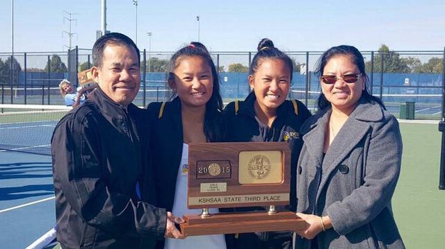 Quần vợt mở ra cửa hội nhập cho gia đình gốc Việt ở Mỹ - Ảnh 1.