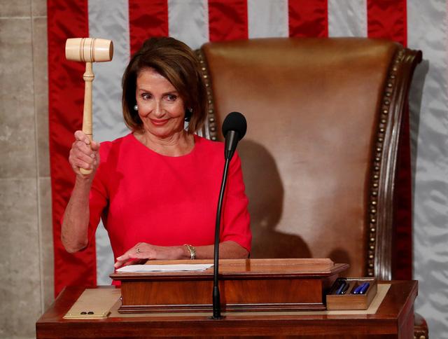 Bà Nancy Pelosi tái đắc cử chủ tịch Hạ viện Mỹ, ông Trump chúc mừng - Ảnh 1.