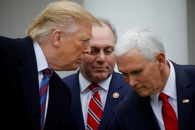 Ông Trump dọa ban bố tình trạng khẩn cấp để xây tường biên giới - Ảnh 2.