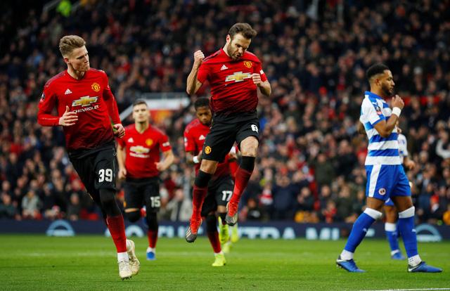 M.U, Chelsea và Arsenal dễ dàng đoạt vé đi tiếp tại Cúp FA - Ảnh 1.