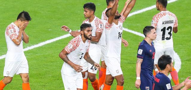 Thái Lan thảm bại 1-4 trước Ấn Độ trận ra quân Asian Cup 2019 - Ảnh 1.