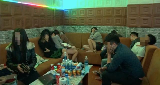 Phát hiện 21 thanh niên thuê nhà nghỉ sử dụng ma túy - Ảnh 1.