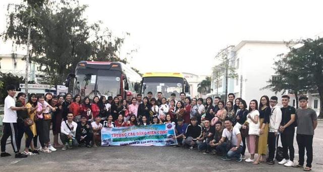 Xe gặp nạn ở đèo Hải Vân chở sinh viên Trường cao đẳng Kiên Giang - Ảnh 2.
