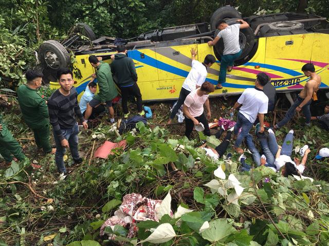 Bộ trưởng Nguyễn Văn Thể: Phải xóa điểm đen tai nạn đèo Hải Vân - Ảnh 2.