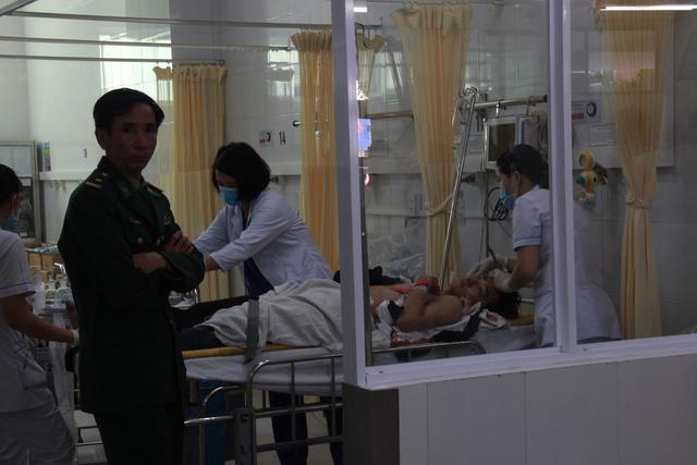 Hai tỉnh hỗ trợ nạn nhân xe khách lao xuống vực ở đèo Hải Vân - Ảnh 3.