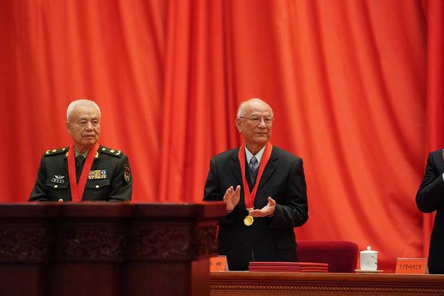 Trung Quốc trao giải thưởng khoa học to hơn cả Nobel - Ảnh 1.