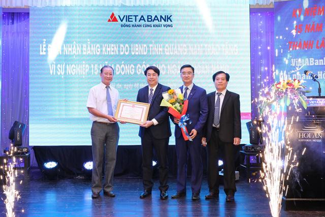 VietABank vinh dự nhận Bằng khen của UBND tỉnh Quảng Nam - Ảnh 1.