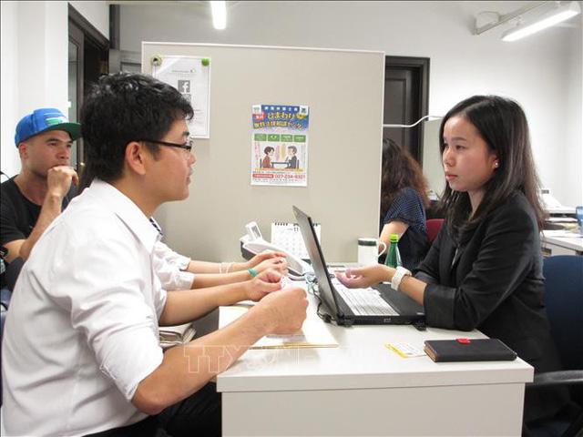 Lao động Việt Nam được tiếp cận dịch vụ tư vấn bằng tiếng Việt tại Nhật Bản - Ảnh 1.