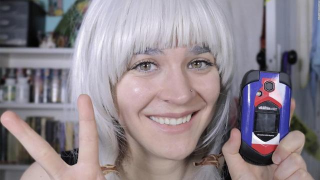 Người phụ nữ chấp nhận thử thách cai điện thoại trong 1 năm - Ảnh 1.