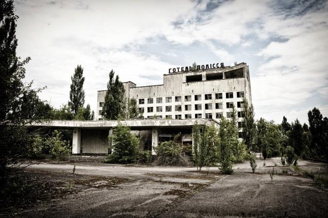 Ukraine mở cửa phòng điều khiển lò phản ứng hạt nhân Chernobyl - Ảnh 1.
