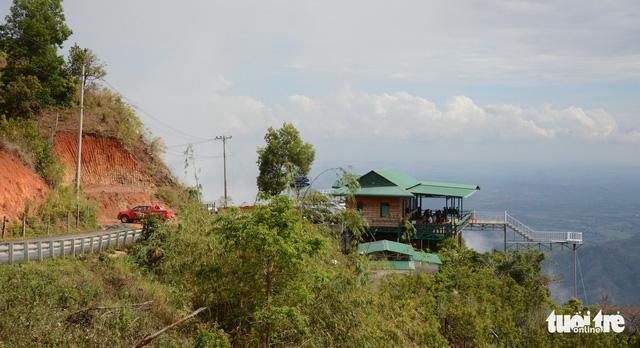 Chậm xử lý các trạm dừng chân chui trên đèo Đại Ninh do hồ sơ nhiều sai sót - Ảnh 1.