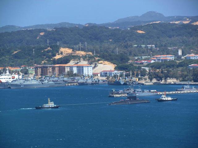 Quy định về người và phương tiện ra vào cảng quốc tế Cam Ranh - Ảnh 1.
