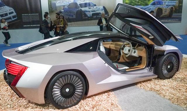 Nhật Bản ra mắt xe ô tô làm từ gỗ trông không khác gì siêu xe - Ảnh 1.