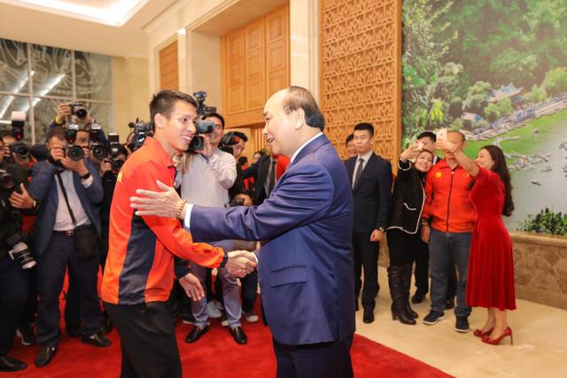 Thủ tướng chào đón các nhà vô địch bóng đá SEA Games - Ảnh 2.