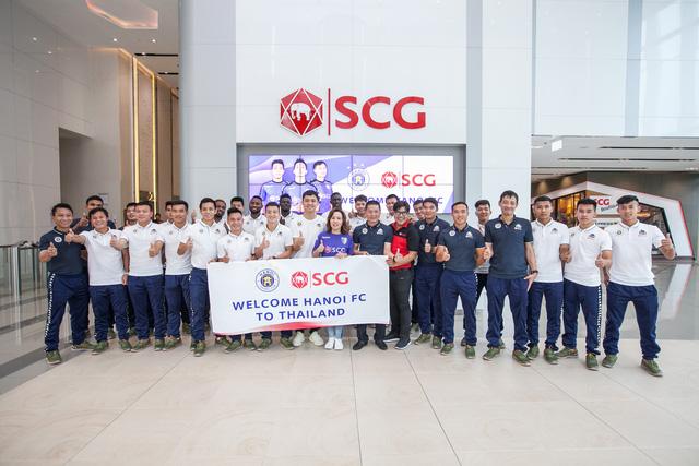 Nhà vô địch V-League Hà Nội FC có trải nghiệm thú vị tại Thái Lan - Ảnh 1.