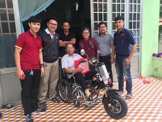ĐH Duy Tân chế tạo xe lăn điện cho người khuyết tật Đà Nẵng - Ảnh 3.